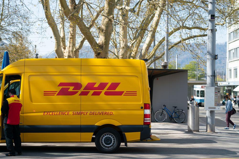 Send i inn- og utland med DHL